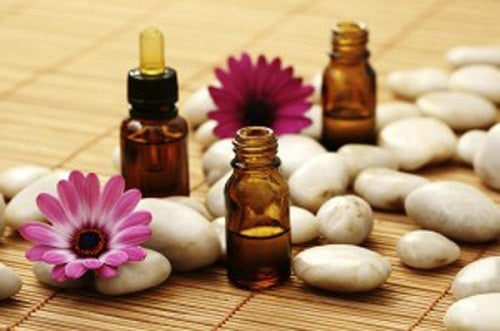 Aromatherapy to relieve contractures